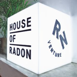 ../media-library_1080x1080/House of radon Clarex ljusboxfasad akryl med relief 11.png